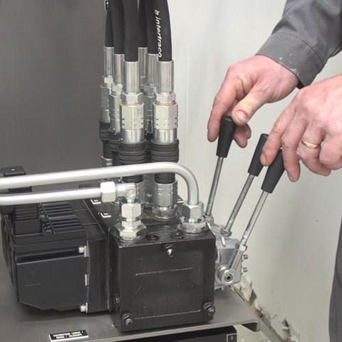 Distributeur à 3 éléments PVG32 – Commande manuelle ou électrique